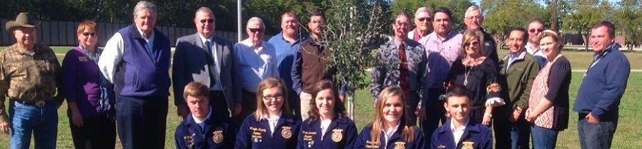 Banner with Community Members and FFA Students